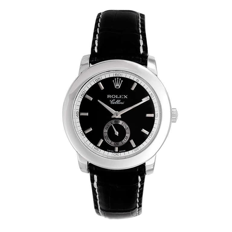 For all these fake Rolex Cellini watches, this black dial replica Rolex Cellini 5241/6 looks more calm and dignified.