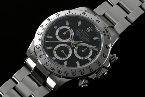 As the best chronograph tool, this steel case replica Rolex watch adopted the progressive and simple mechanical technology, without too much parts, highly improving the performance.