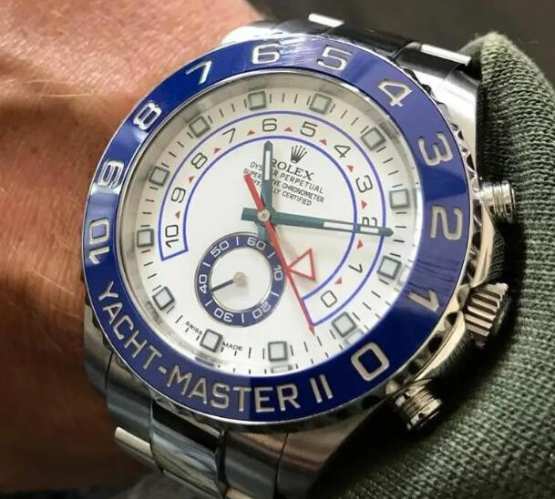 The blue ceramic bezel makes the copy Rolex more eye-catching.